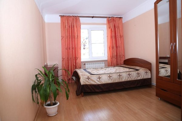 Spacious Apartment with Convenient Location - фото 1