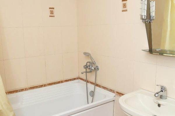 Spacious Apartment with Convenient Location - фото 10