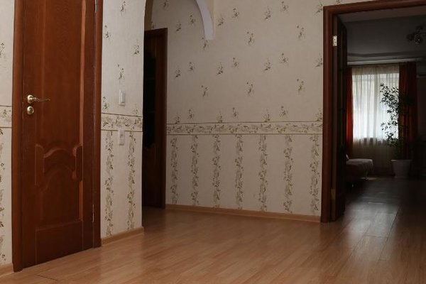 Spacious Apartment with Convenient Location - фото 14