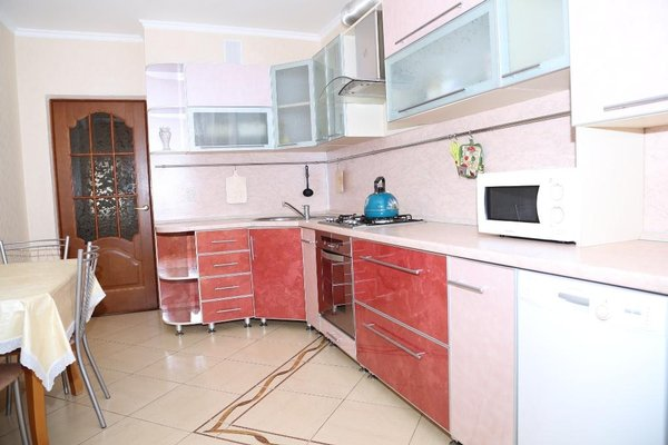 Spacious Apartment with Convenient Location - фото 9