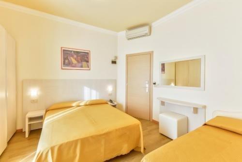 Hotel Corinna - фото 3
