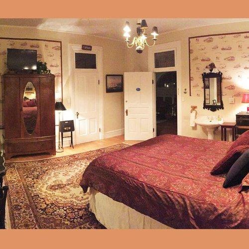 Photo of Ellerbeck Mansion Bed & Breakfast