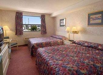 Ramada Limited South Windsor Hotel - фото 1