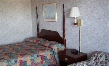 Towne & Country Motel - фото 3
