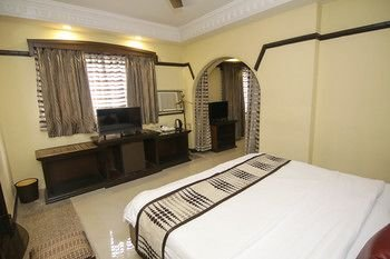 Photo of Lytton Hotel