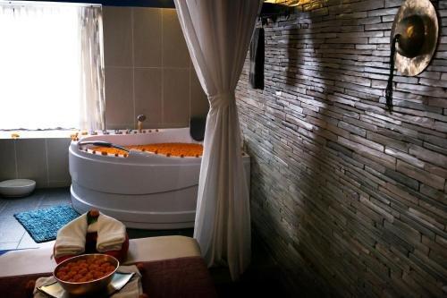 Hotel Tibet - фото 10