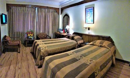 Nirvana Garden Hotel - фото 1