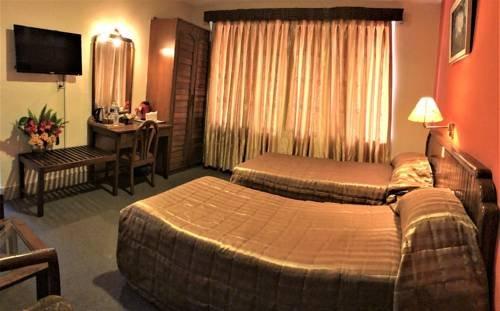 Nirvana Garden Hotel - фото 2