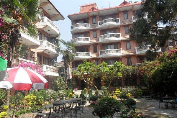 Nirvana Garden Hotel - фото 23