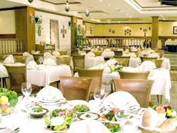 Al Hamra Fort Hotel and Beach Resort - фото 9