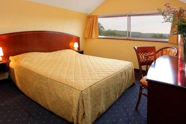 Hotel Le Clos Roussillon - фото 1