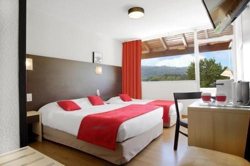 Hotel Le Clos Roussillon - фото 2