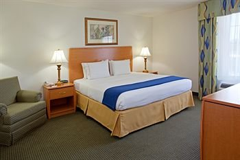 Photo of Holiday Inn Express Hotel & Suites Columbus, an IHG Hotel