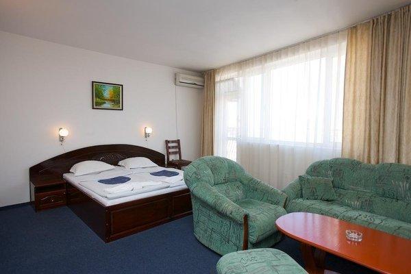 Hotel Elena Palace - фото 1