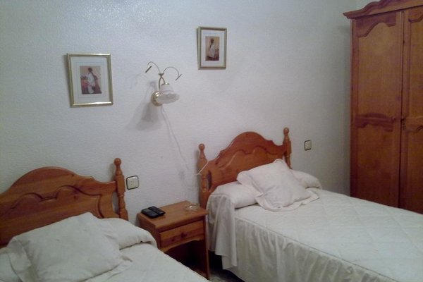 Hostal Asensio Nijar - фото 3