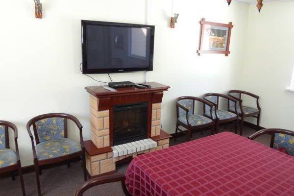 Гостиница «Baza Otdykha Tri Sosny», Апатиты