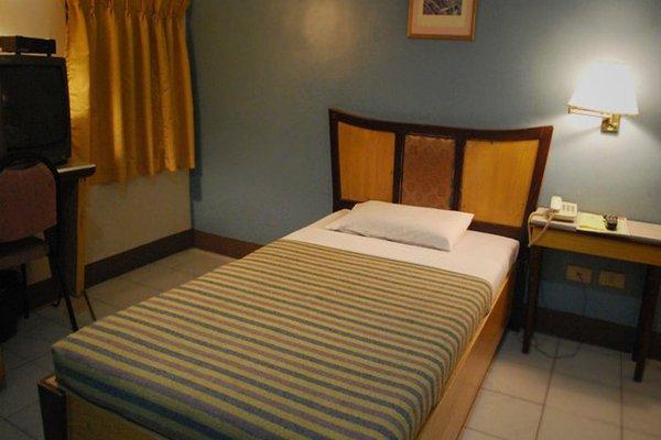 Cebu Business Hotel - фото 1
