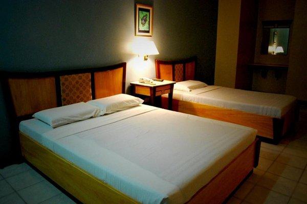 Cebu Business Hotel - фото 5