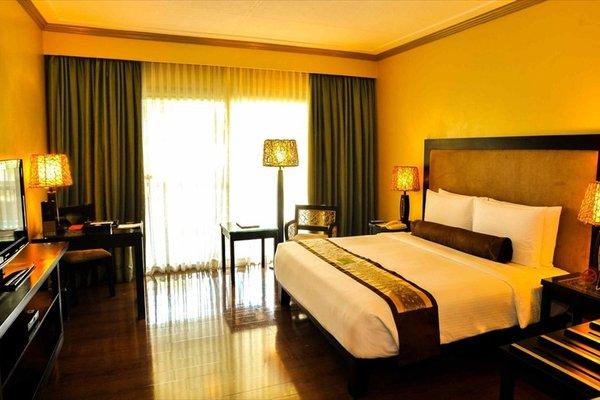 Waterfront Insular Hotel Davao - фото 1