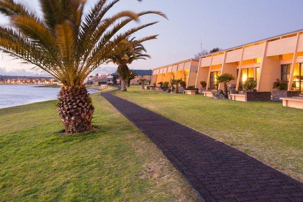Oasis Beach Resort - фото 23
