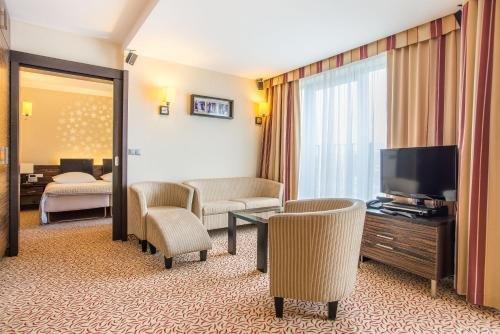 Отель Qubus Kielce - фото 1