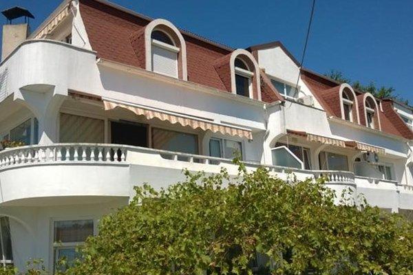 Guest House Spiro near Botanical Garden - фото 29