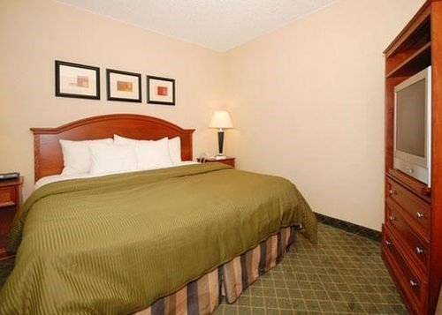 Photo of Holiday Inn Express And Suites Grand Forks