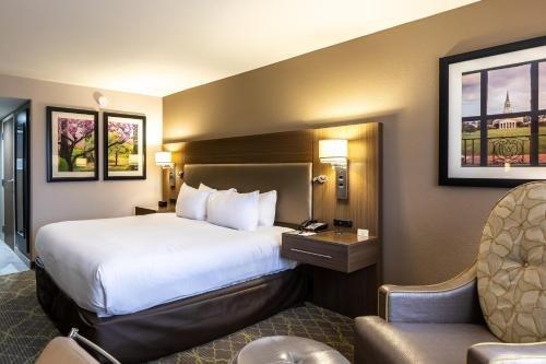 Photo of DoubleTree by Hilton Winston Salem - University, NC