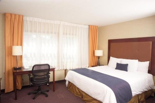 Photo of Ivy Court Inn and Suites