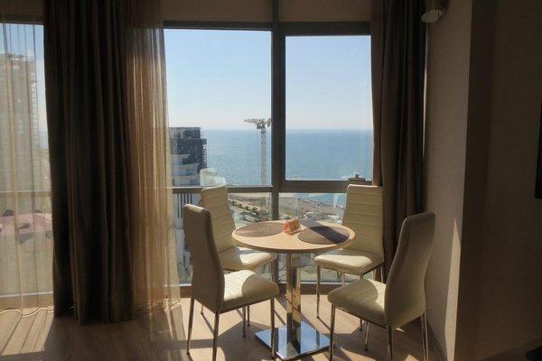 Silk Road Sea Towers Batumi Apartments - фото 22