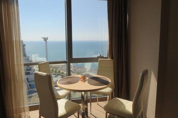 Silk Road Sea Towers Batumi Apartments - фото 23