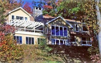 Photo of LAUREL GROVE INN ON THE SOUTH RIVER - BED AND BREAKFAST