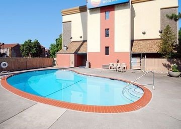 Photo of Comfort Inn & Suites Vancouver Downtown City Center