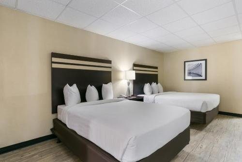 Photo of Eisenhower Hotel and Conference Center