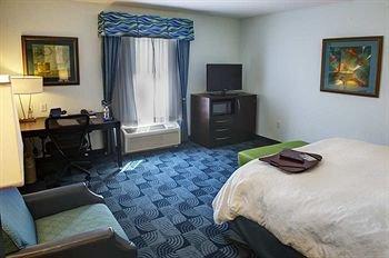 Photo of Hampton Inn and Suites Dallas/Lewisville-Vista Ridge Mall