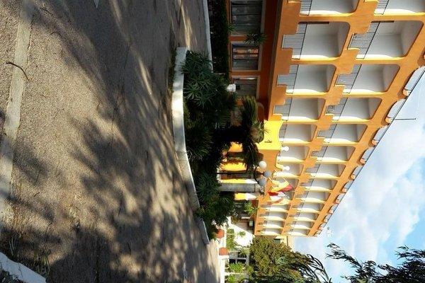 International Hotel, Мондрагоне