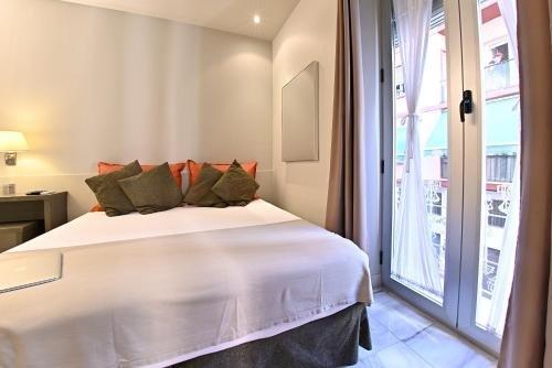 Apartamentos Living Alicante - фото 1