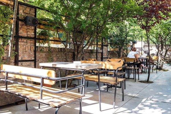 Destil Hostel - фото 21