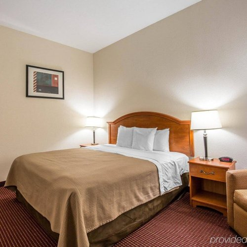 Photo of Econo Lodge Inn & Suites Beaumont