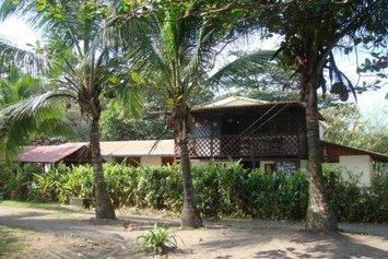 Cabinas Balcon del Mar Tortuguero