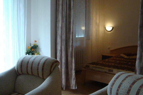 Zhiva Voda Balneohotel, Ямбол