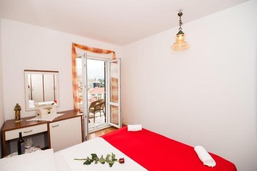 Apartment Marieta - фото 1