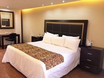 Quinta Dorada Hotel & Suites - фото 1