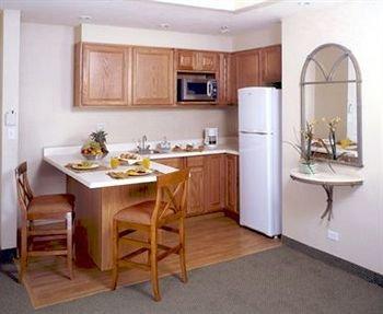 DoubleTree Suites by Hilton Saltillo - фото 10