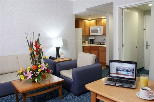 DoubleTree Suites by Hilton Saltillo - фото 3