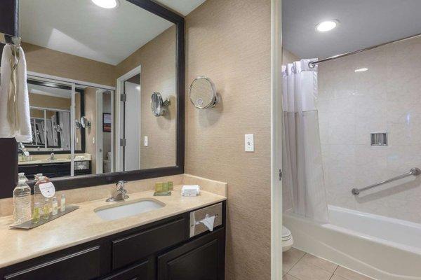 DoubleTree Suites by Hilton Saltillo - фото 9