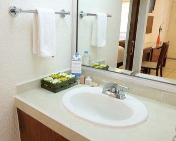 Garden Express Hotel & Suites - фото 4