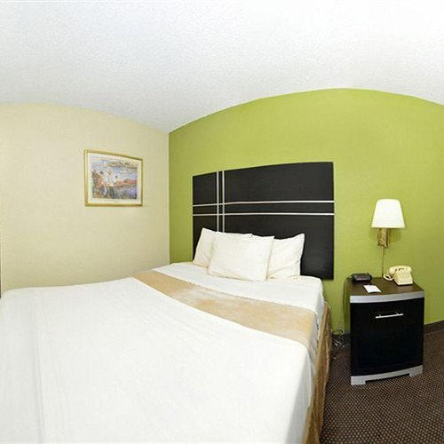 Photo of Days Inn by Wyndham Oil City Conference Center