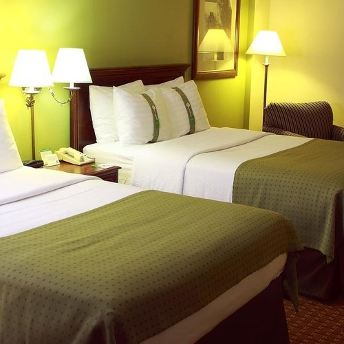 Photo of Garden Plaza Hotel