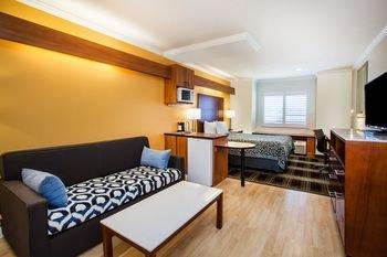 Photo of Days Inn & Suites by Wyndham Antioch